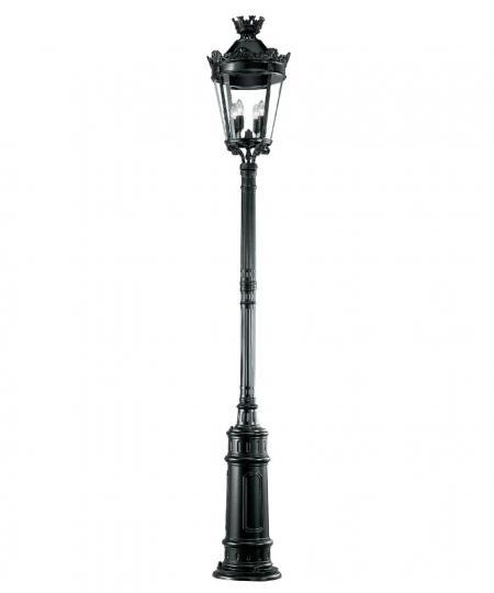 Chateau lamp post